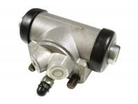 Wheel cylinder LH rear - Def90